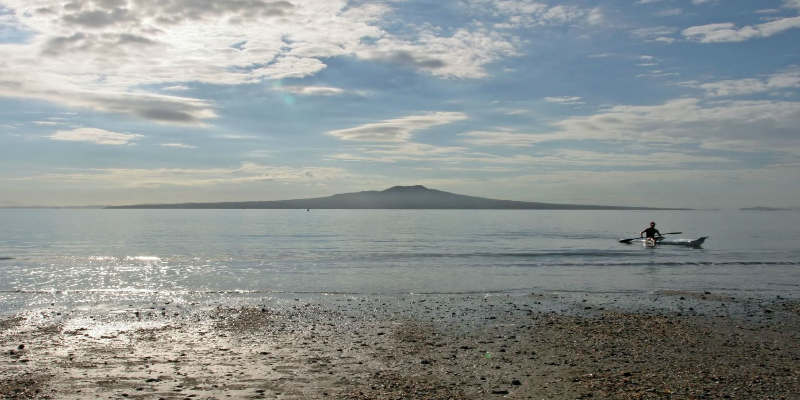 counsellor kayaking in takapuna, auckland